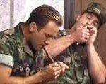 Porno com jovens militares internacionais