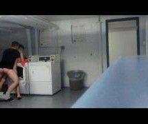 Rapaz daniel craig gay fode na lavanderia
