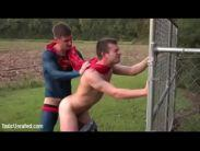 Ao ar livre heroi faz videos porno gay