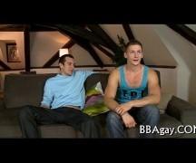 Em casa safado no sexo amador gay
