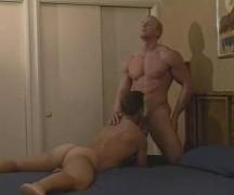 Gostosos Body Builder fodendo gostoso em um videos de sexo gay