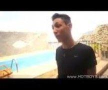Bruno com um amigo em video gay brasileiro
