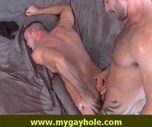 Porno gay musculosos trepando com vontade