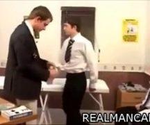 Porno gay na escola com professor comendo os alunos gays