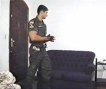Xhamster porno gay com policial relaxando na pica do garoto de programa
